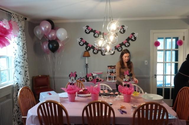 A DIY Minnie Mouse 1st Birthday Party Little List